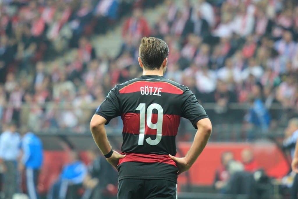 Mario Götze trägt die Nummer 19 auf dem Rücken. (Foto Shutterstock)