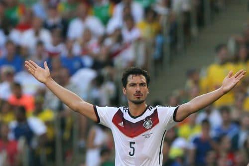 Mats Hummels mit der Nummer 5 bei der WM 2014 in Brasilien (Foto Shutterstock)