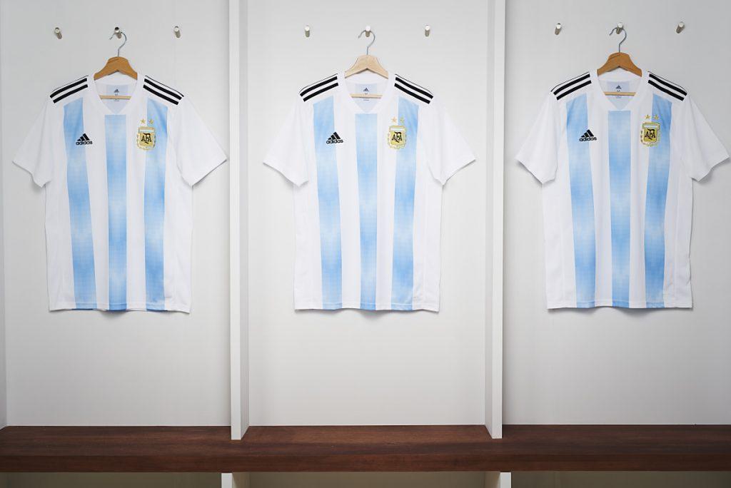 Das neue Argentinien Trikot zur WM 2018 von adidas.