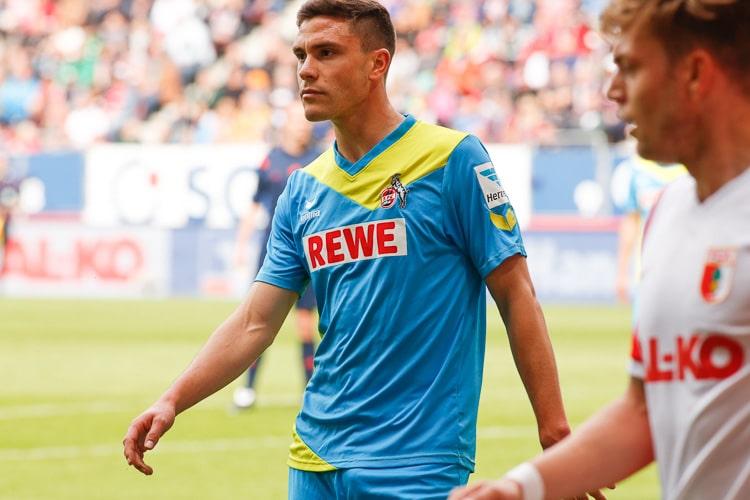 Jonas Hector - die nummer 3 im DFB Trikot - hier im Trikot des 1.FC Köln (Foto: Sport-in-augsburg.de)