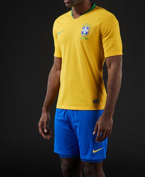 Das neue Brasilien WM Trikot 2018 von nike.
