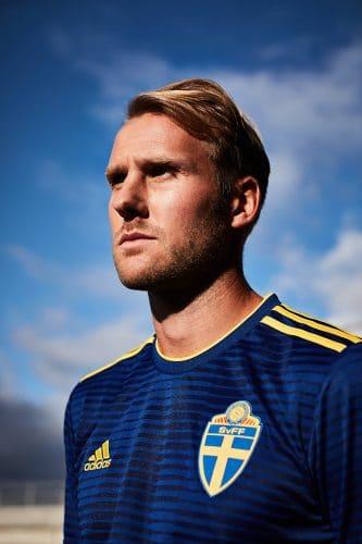 Das neue Schweden Away Trikot 2018 von adidas.