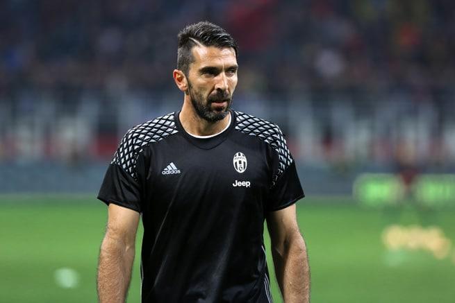 Italiens Torwartlegende Gianluigi Buffon hat abgedant. Ihn erstetzt nun ein weiterer Gianluigi, der erst 20 Jahre alte Donnarumma vom AC Mailand. Photo: Shutterstock.