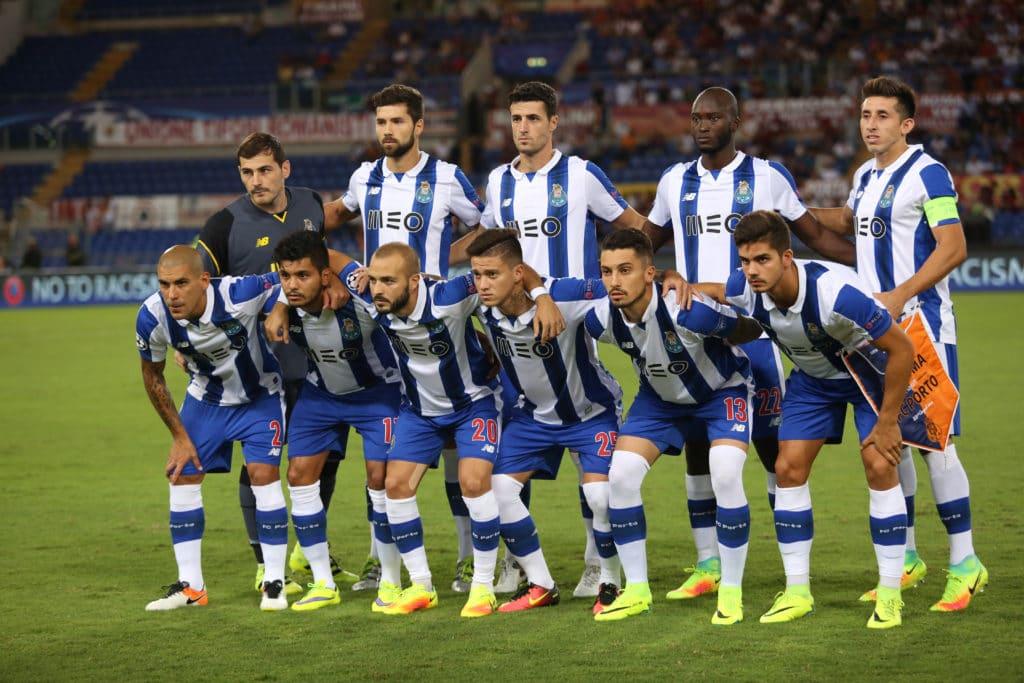 Der FC Porto in seinen traditionellen blau-weißen Trikots.